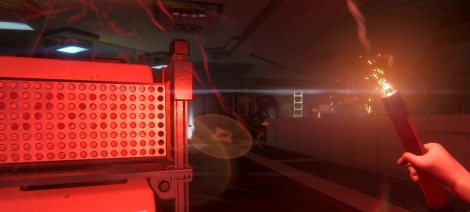 Alien Isolation flares up & stomps you